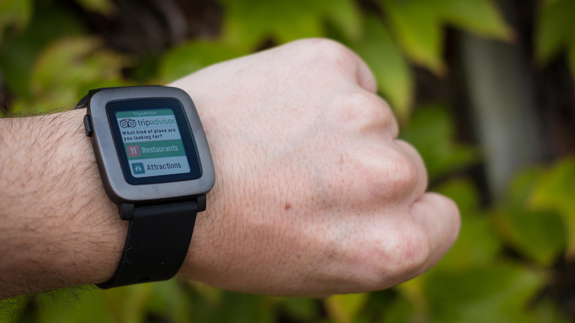 Pebble Time review: Trip Advisor app