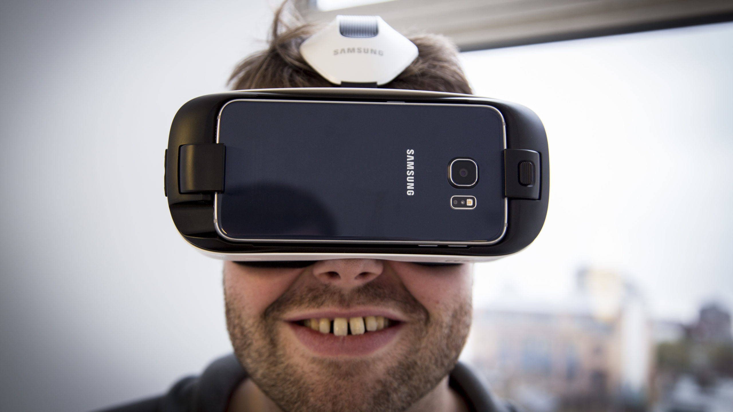 Samsung Gear VR review: The Gear VR offers an amazing experience, but it does make you look like a fool