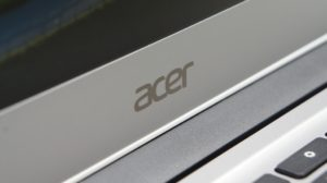 acer_chromebook_14_logo_hinge