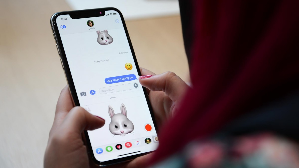 the_iphone_x_could_make_samsung_more_money_than_its_own_galaxy_s8_-2