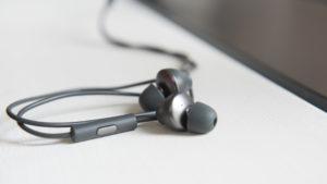 htc_u12_plus_earbuds_microphone