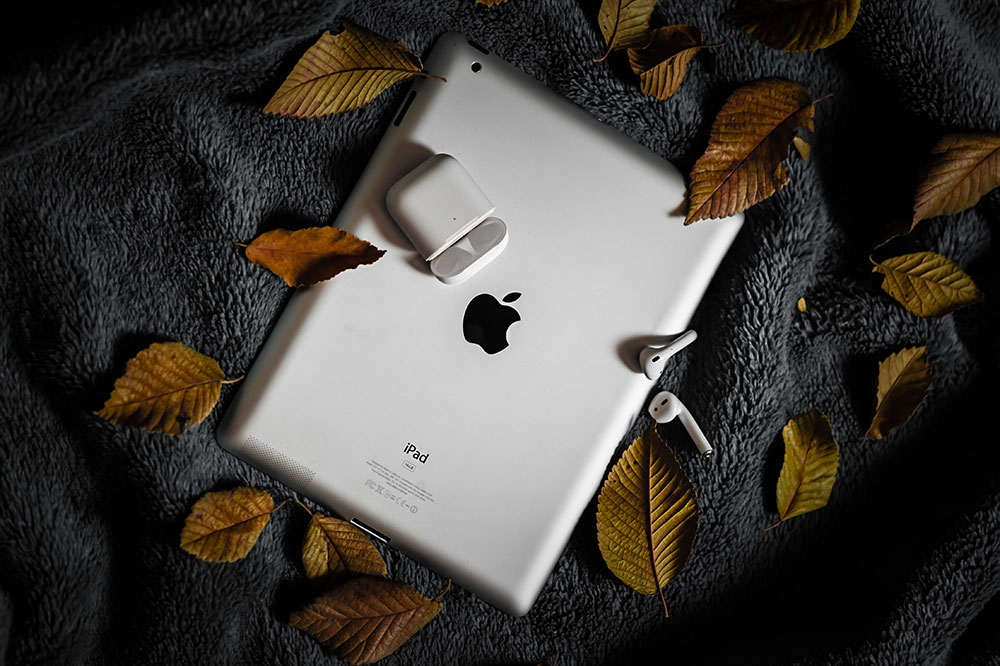 airpods how to connect to ipad